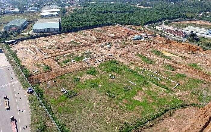 Đất và nhà tái định cư có được tách sổ đỏ không?
